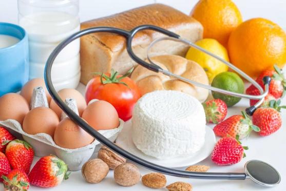 Alergia a nietolerancja pokarmowa – różnice i podobieństwa